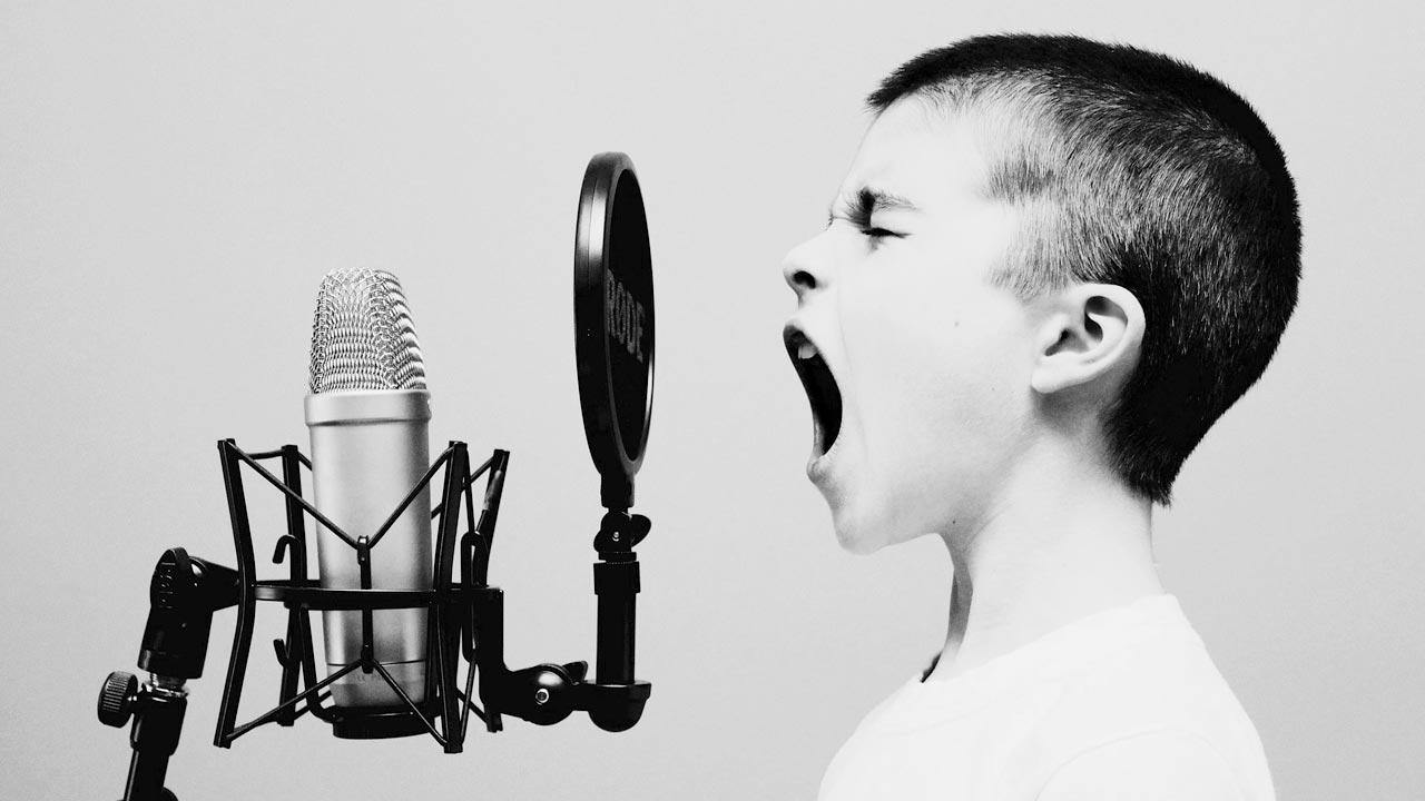 Kinderstimmen können von Erwachsenen imitiert werden. Denkt man. Doch ganz so einfach ist das nicht.