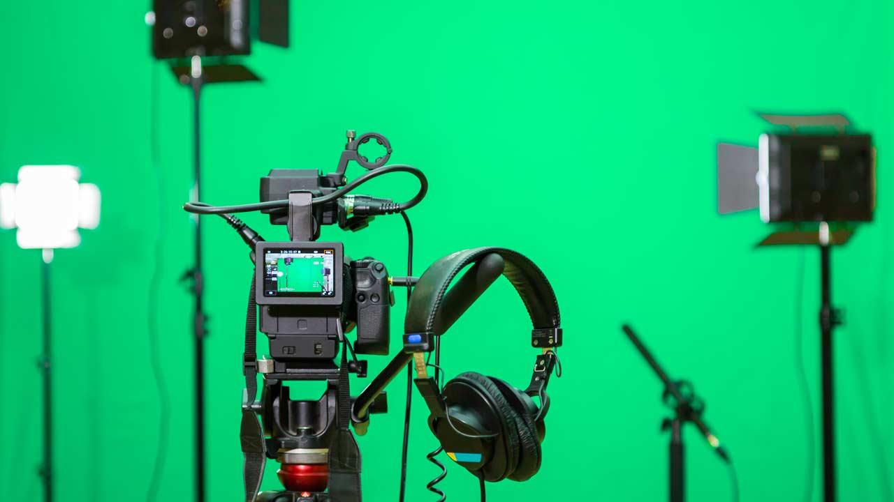 Die Ausstattung des Pionierfilm Videostudios.