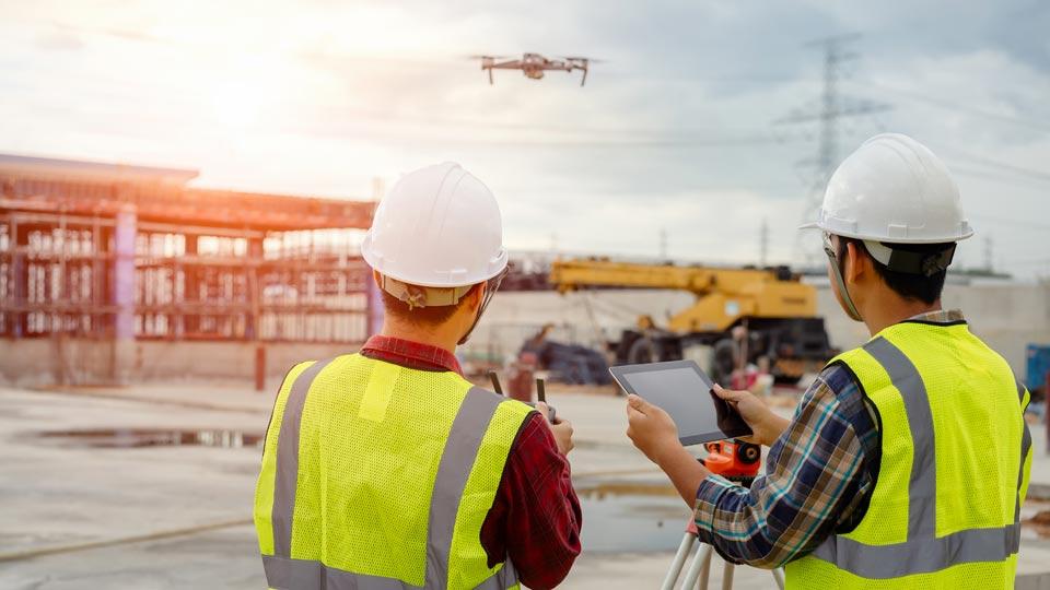 Wir haben Drohnenaufnahmen in unterschiedlichen Bereichen durchgeführt und kennen Probleme, sowie deren Lösung.