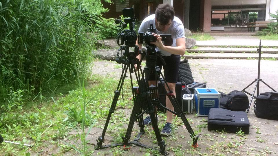 Bei dieser Produktion kamen zwei Kameras und zwei Mikrofone, jedoch wenig Licht zum Einsatz.
