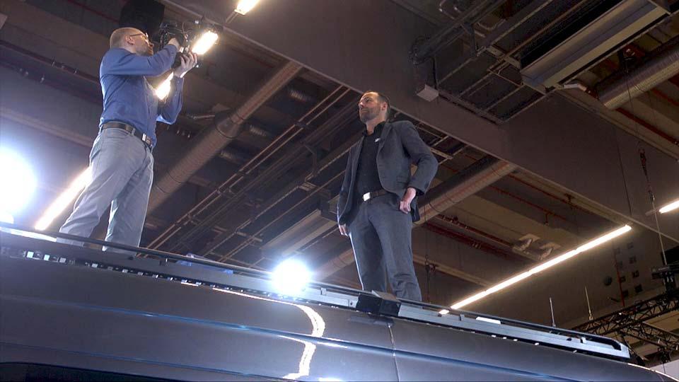 Im Messefilm wurde neben dem Messestand auch gleich das Sonderschutzfahrzeug der Carl Friederichs GmbH vorgestellt.