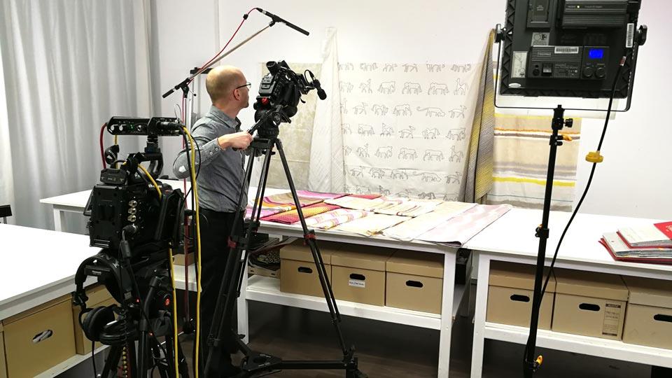 Pionier Ralf Biebeler beim Dreh der Designervideos.