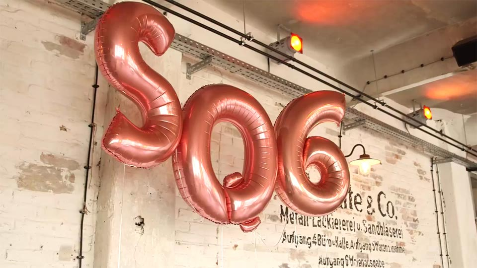 Wir haben für FUJIFILMs Instax SQ6 einen Moodfilm in Berlin gedreht.