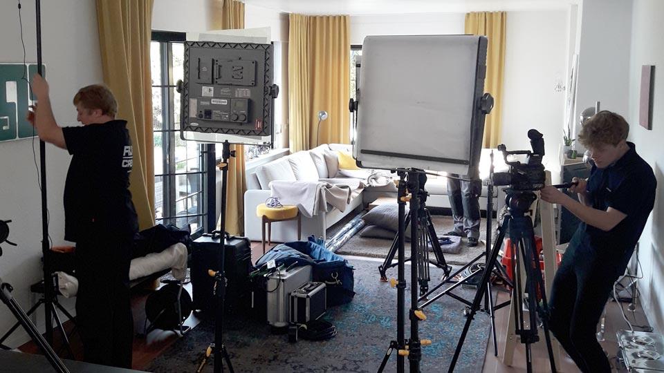 Die Pioniere bauten jede Menge Technik auf, um den Produktfilm produzieren zu können.