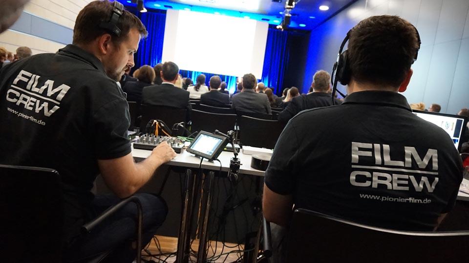 Brian Morrison und Philip Andreas während des Livestream in Bonn.