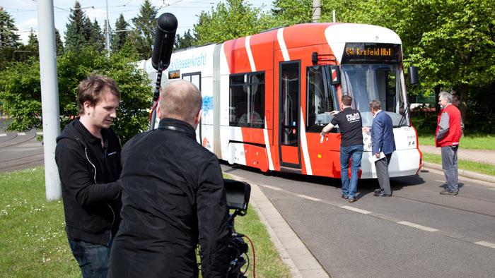 Es wurde extra eine Straßenbahn besorgt, um die Aufnahmen noch realistischer wirken zu lassen.
