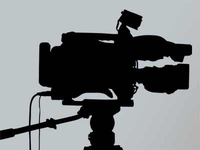 Unterstützen uns fremde Kameramänner, so wählen wir sie nach den Prinzipien aus, nach denen wir arbeiten. Ehrlichkeit, Authentizität, Kreativität.