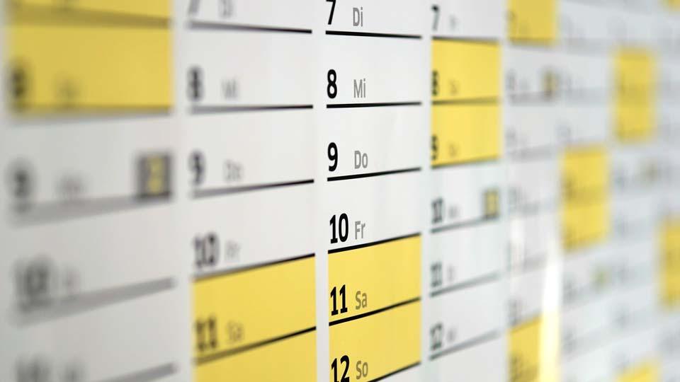 Es herrschen Übergangszeiten bei den neuen Regelungen. Bildquelle: https://pixabay.com/de/photos/kalender-wandkalender-tage-datum-1990453/