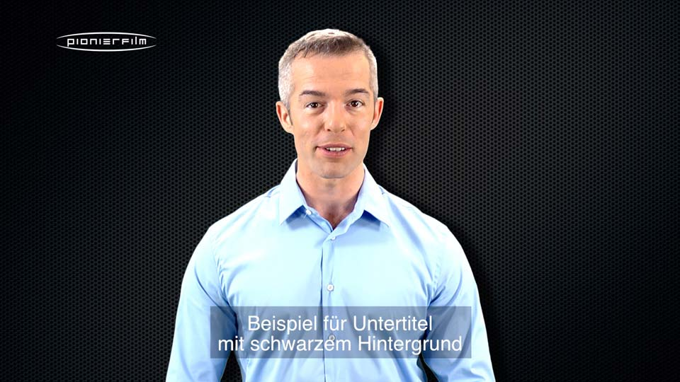 Untertitel mit schwarzem Hintergrund.