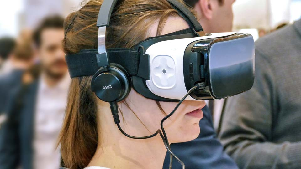 Das VR-Spiel wurde auf einer Messe eingesetzt. Bildquelle: https://pixabay.com/de/photos/vr-brille-oculus-virtual-reality-1992973/