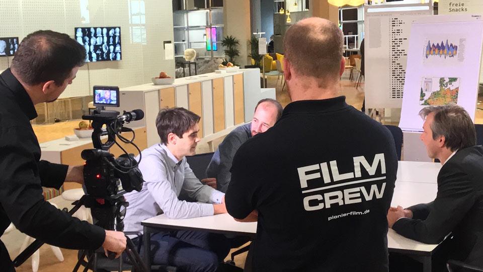 Kamerateam gesucht in Mannheim, Heidelberg oder Ludwigshafen? Hier sind die Pioniere Brian und Daniel bei Dreharbeiten zu sehen.