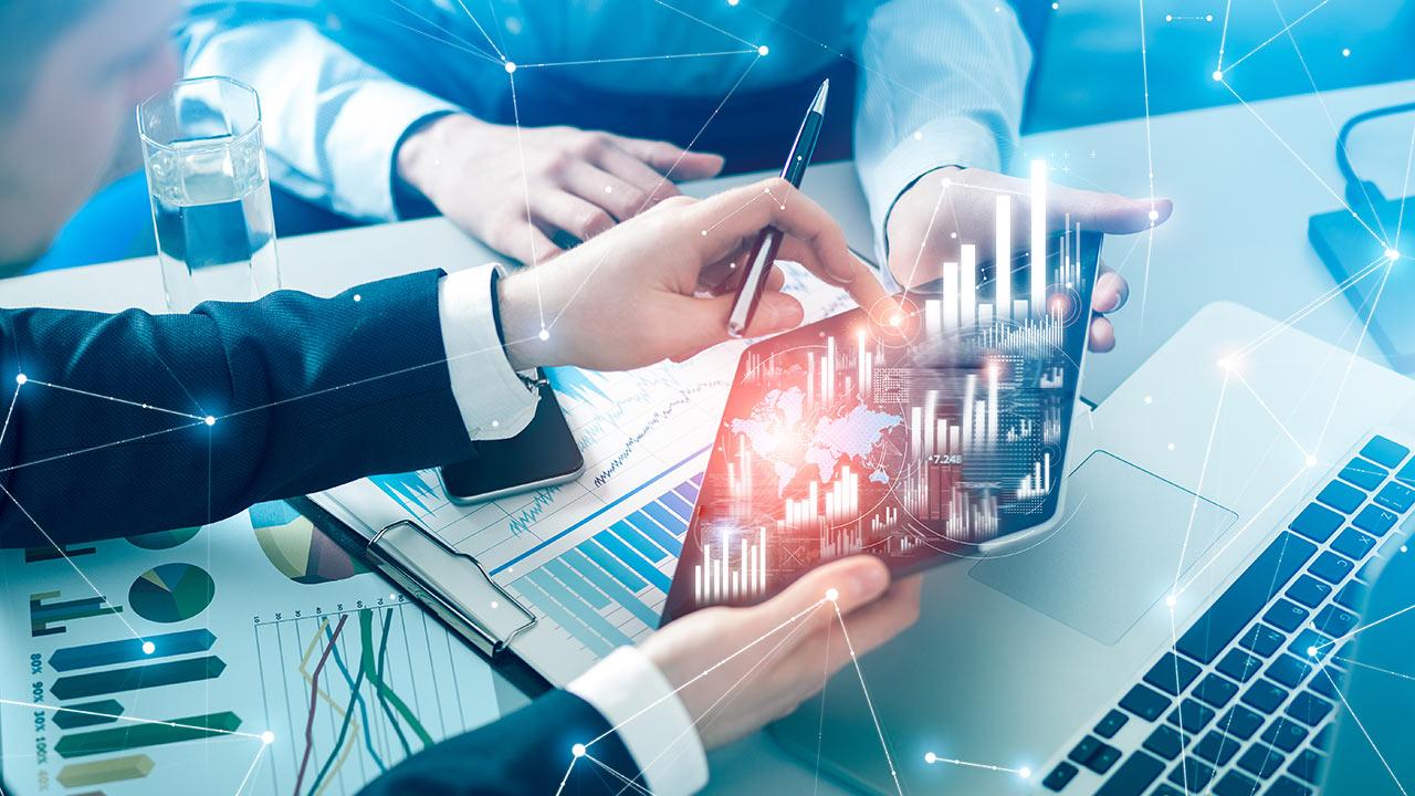 Datenschutzregeln erschweren das Messen direkter KPI für den Erfolg von Videos für Hochschulen. Die ESB Business School greift maßgeblich auf Klickten zu.