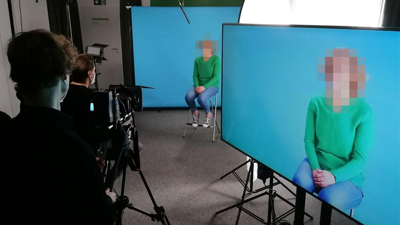Als Filmproduzent für Recruitingvideos wissen wir sehr genau, wie unser kontaktfreies Studio aussehen muss.
