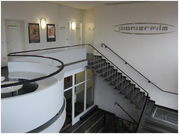 Hier sehen Sie den Eingangsbereich zu unserem Filmstudio in Viernheim.